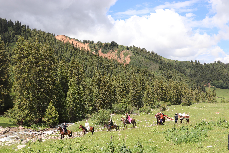 Kyrgyz horse trek